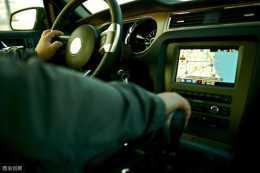 花上千塊加裝車載導航,最後居然還不如手機導航好用?