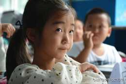 一年級跟不上,有家長說晚熟的孩子更聰明,網友:不努力沒戲