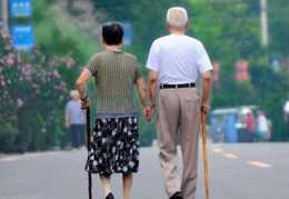 腿沒勁走路痠痛,7步按摩法可讓雙腿更強壯,腿腳好,更加長壽